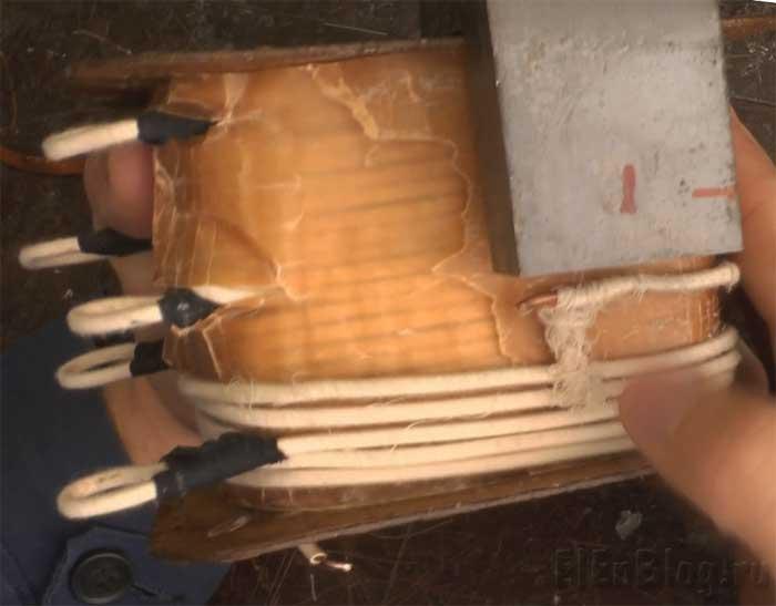 Как-намотать-трансформаторПервичная-обмотка-(Расчёт-и-перемотка-трансформатора-#4.1)_Спайка-обмоточного-провода.