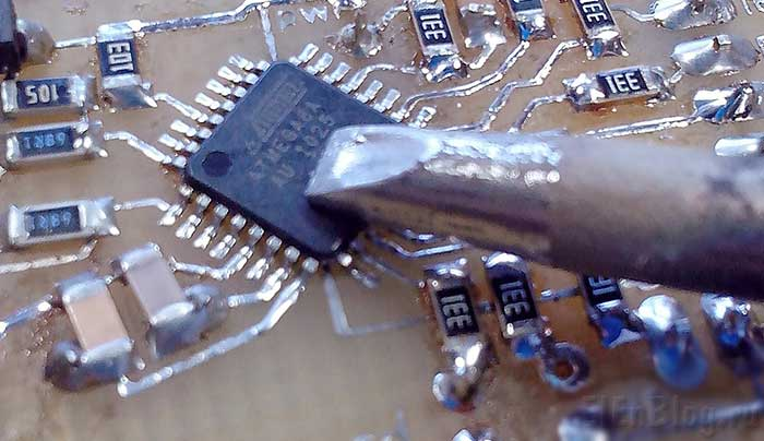 Программирование-AVR_Припаять-провода-к-TQFP-можно-даже-большим-жалом