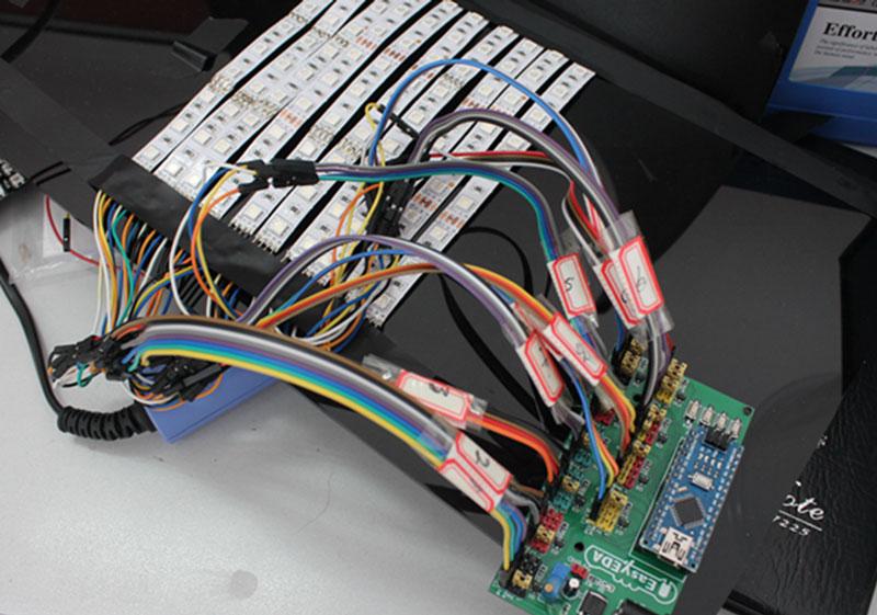 Kak sdelat' LED Begushhuju Stroku na Arduino v EasyEDA10