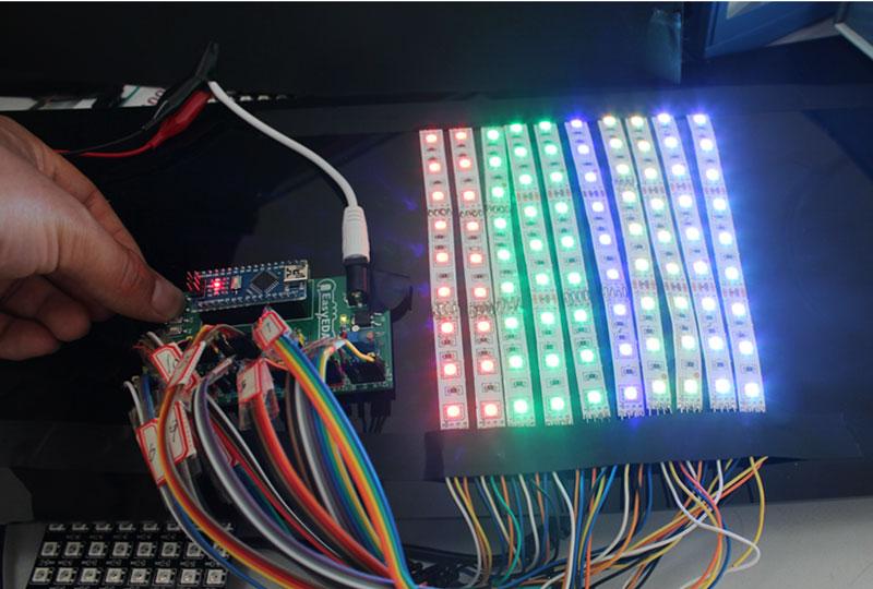 Kak sdelat' LED Begushhuju Stroku na Arduino v EasyEDA13