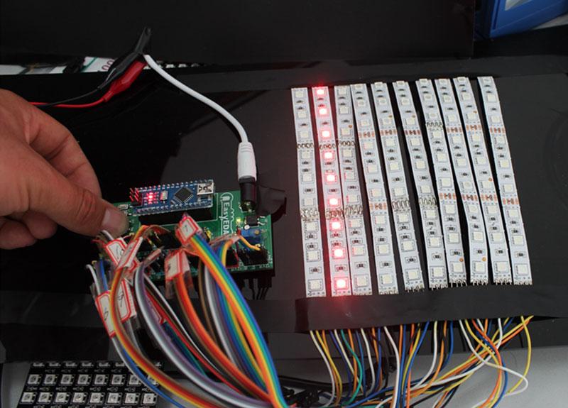 Kak sdelat' LED Begushhuju Stroku na Arduino v EasyEDA14